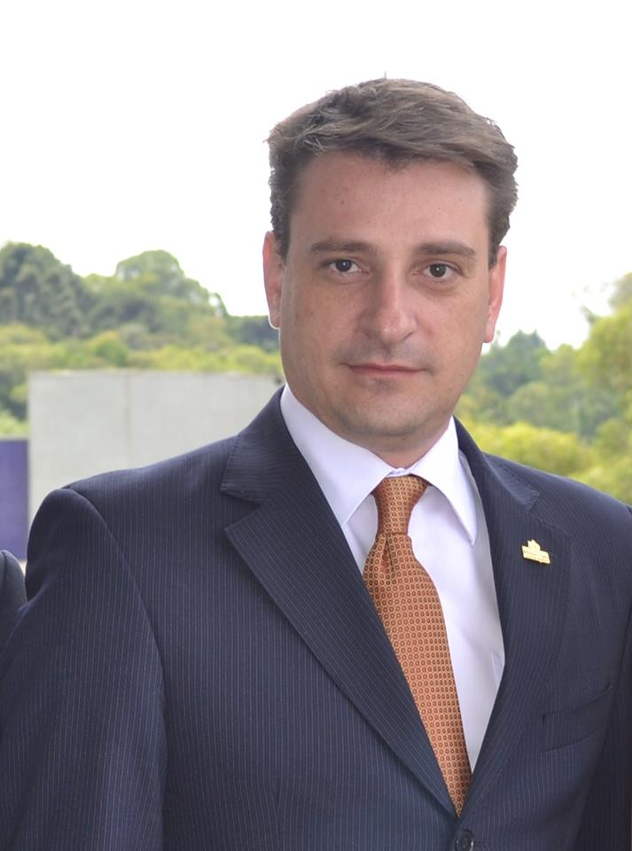 Segundo o economista Lucas Dezordi, com a recessão da China o Brasil tem a chance de controlar o processo inflacionário em 2016